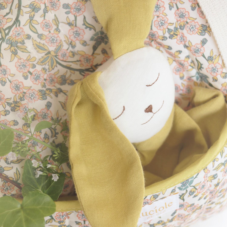 Doudou bébé en coton bio Ernest jaune safran