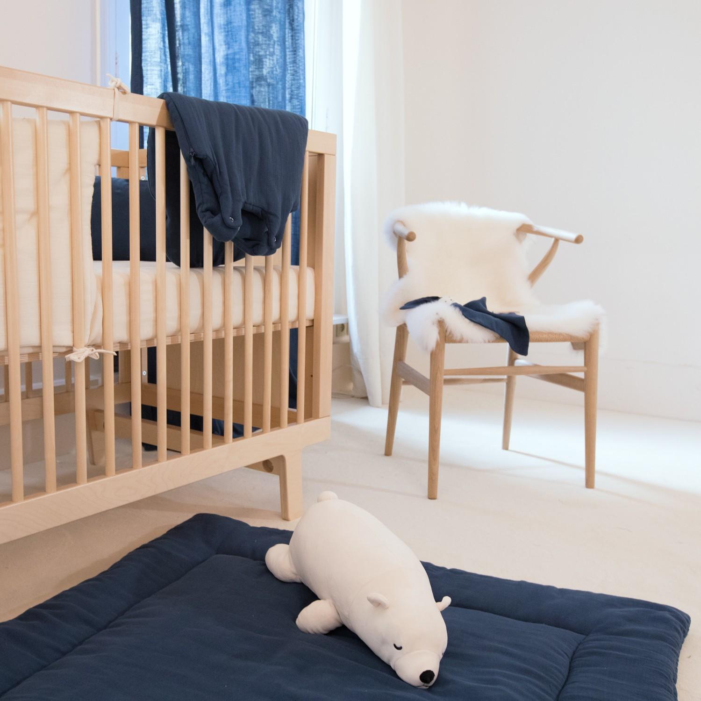 Tapis d'éveil bébé garçon ou fille en gaze de coton bio bleu profond