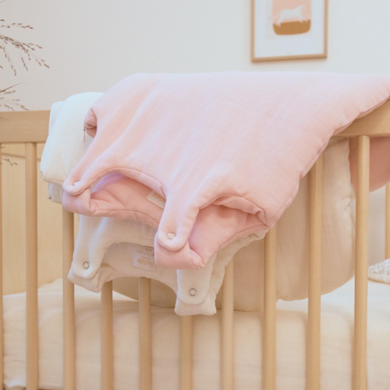Gigoteuse naissance bio en gaze de coton rose poudre TOG 2