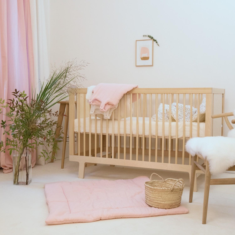 Tapis de jeu bébé fille en gaze de coton biologique rose poudre