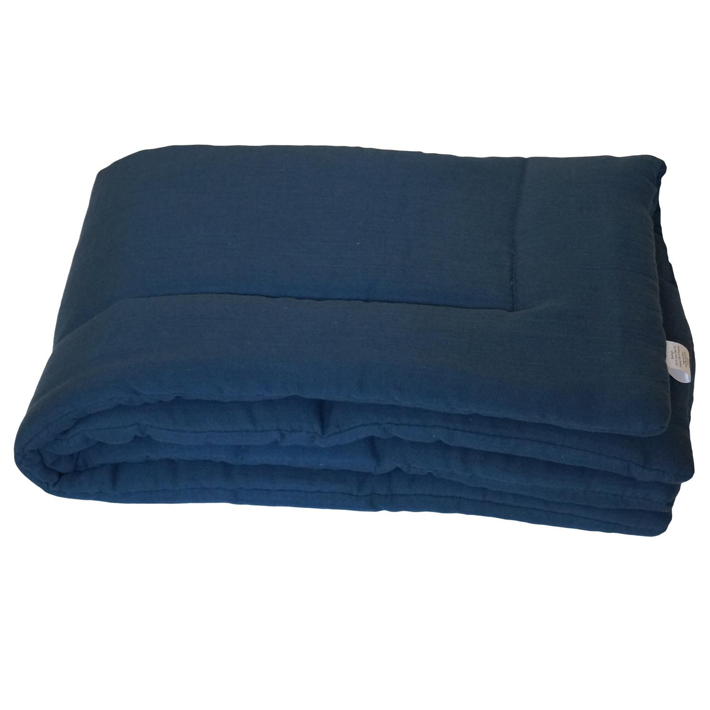 Couverture en gaze de coton bleu profond