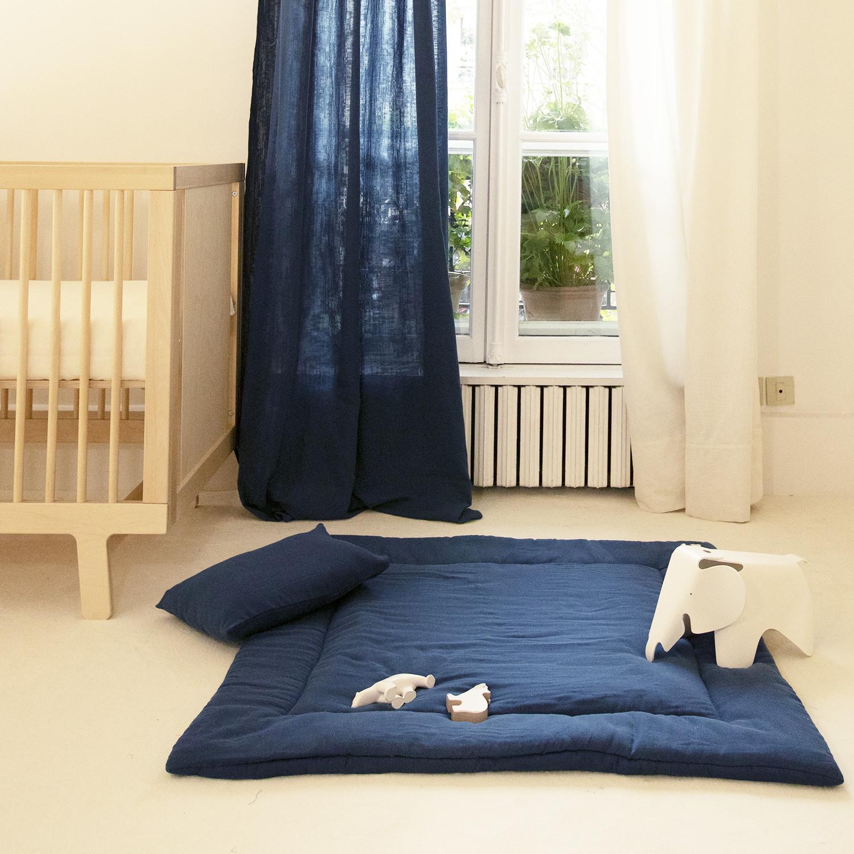 Tapis d'éveil bébé en gaze de coton bio bleu profond